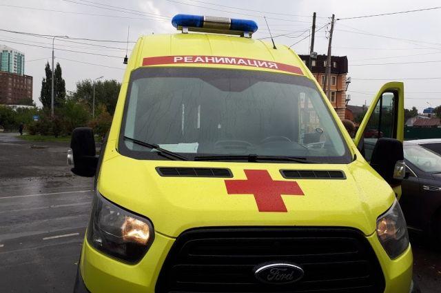 Тюменка спасла истекающего кровью мужчину, который упал на асфальт