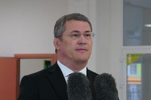 Хабиров рассказал, о чём его чаще всего просят во время рабочих поездок