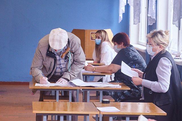 По новым правилам на избирательных участках в обязательном порядке нужно соблюдать меры предосторожности, связанные с коронавирусом.