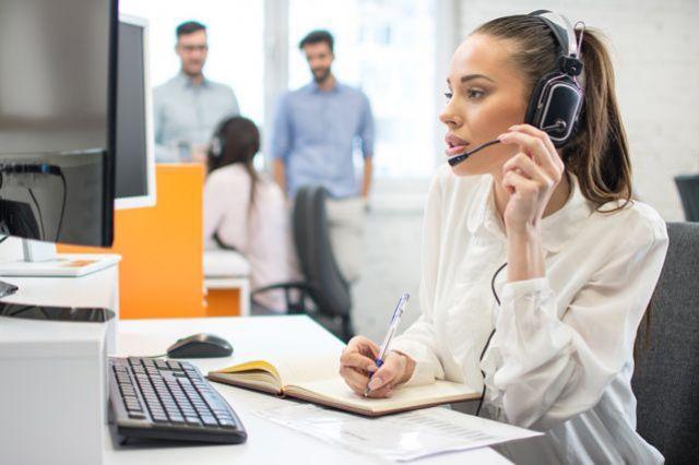В контакт-центр ОМС можно обратиться в любое время