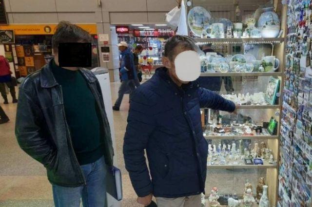 Из павильона ж/д вокзала ялуторовчанин похитил позолоченные сувениры