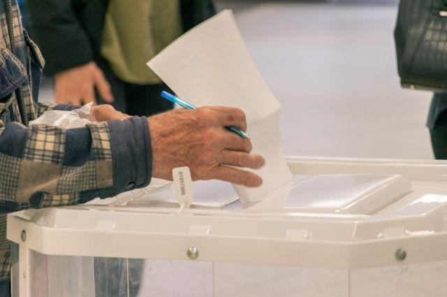 Чаще всего на избирательных участках появлялись пенсионеры, а молодёжь встречалась редко.