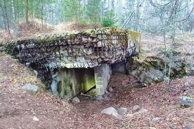 ДОТы – памятник фортификации, а также самоотверженности и отваге солдат Красной армии.