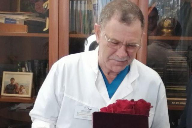 Врач-эндоскопист Виктор Бражкин получил звание «Заслуженный врач Российской Федерации».