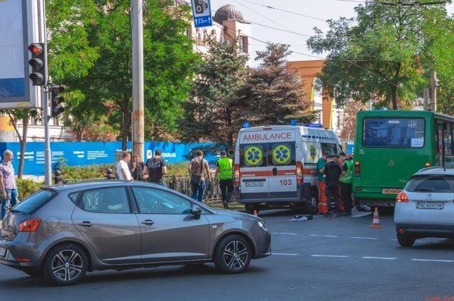 Авария в Днепре: маршрутка сбила насмерть женщину