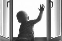 В Одессе четырехлетний мальчик выпал из окна многоэтажного дома