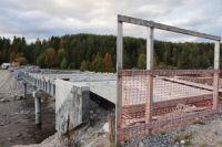 Северяне переживают, что нескончаемое строительство моста угрожает экологии.