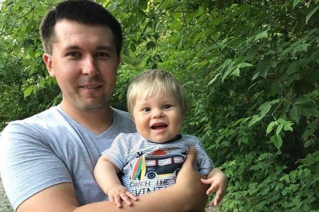 Маленький Ярик уже перенёс операцию по пересадке почки, сейчас ему нужно срочно пройти медобследование.