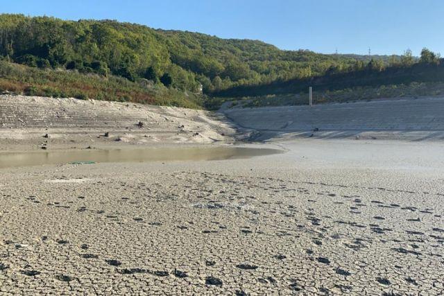 Так сейчас выглядит озеро Церковное, обычно полное воды.