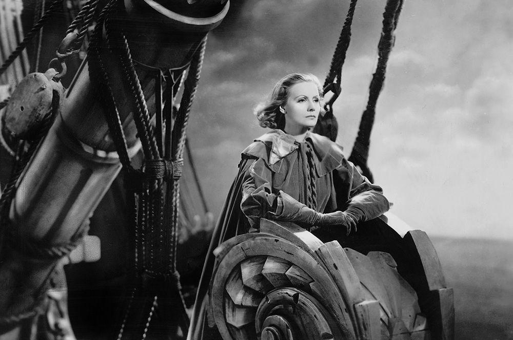 «Королева Кристина» (1933) — королева Кристина.