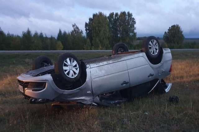 Водитель «Лады Гранты» пострадал, опрокинувшись в кювет в Башкирии