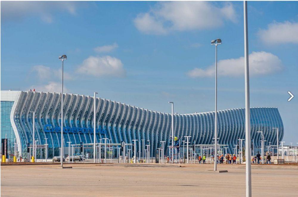 Площадь аэропорта - 78000 м2.