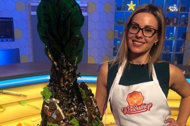 Мария готовила свой шедевр 9 часов.