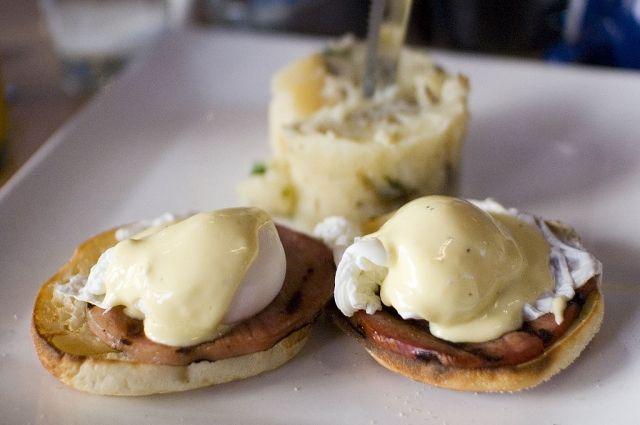 Яйца Бенедикт: пошаговый рецепт приготовления
