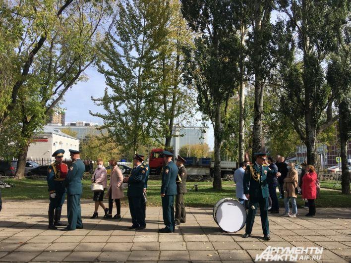 Открытие памятника ВДВ и генералу Маргелову в Перми.