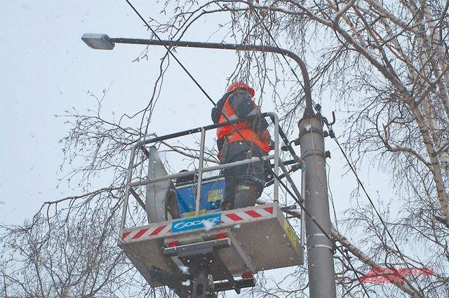 Планируется, что новые фонари установят на ул. Правды и ул. Комсомольской, до 1 декабря.