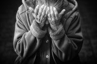 Сын без ведома пожилой женщины заложил квартиру в банке.