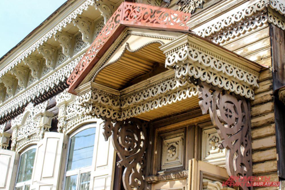 Ещё в 2019 году проектировщики безвозмездно сделали для активистов проекты по реконструкции фасадов домов, которые находятся в исторической части Улан-Удэ и являются частью культуры и истории города.