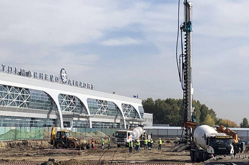 Торжественное погружение конструкции первой сваи на строительной площадке состоялось 15 сентября.