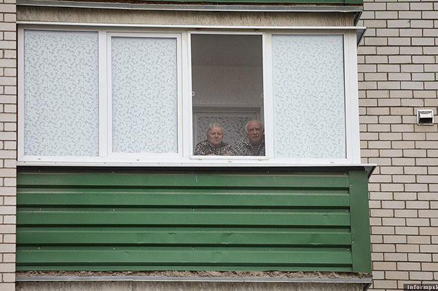 Пожилые люди имеют право оставаться на оплачиваемом больничном листе до 30 сентября.