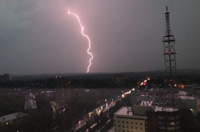 Неблагоприятные погодные явления наблюдались в нескольких округах.