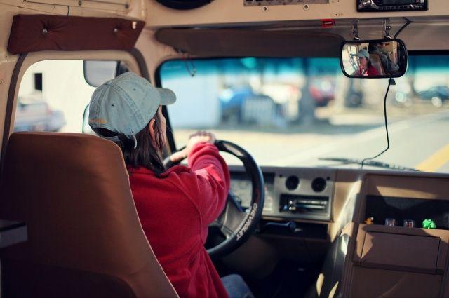 На тюменских трассах оштрафовали водителей автобусов за ремни безопасности