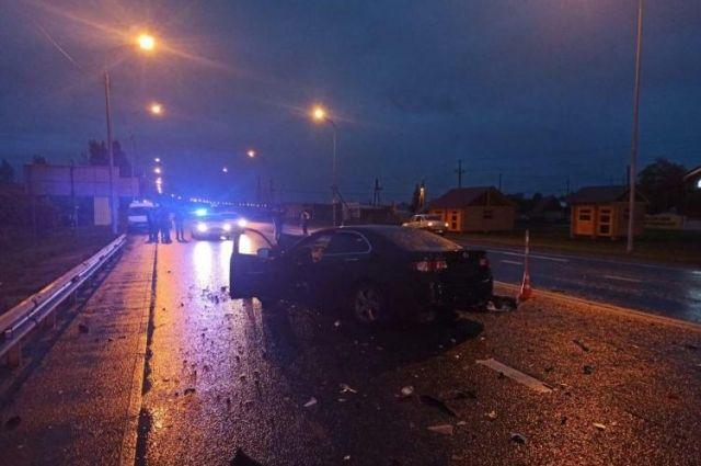На тюменской трассе в ДТП с грузовиком погиб водитель Honda