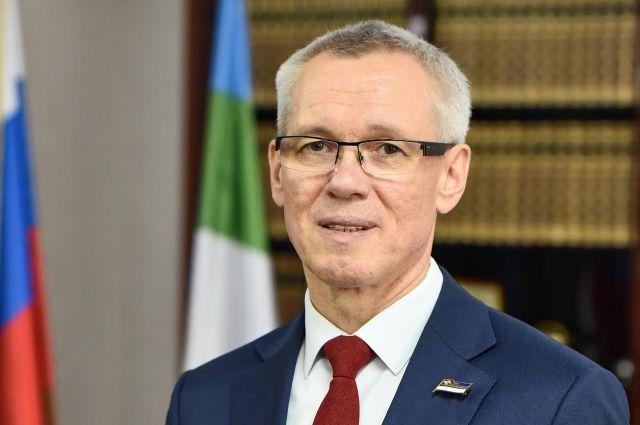 На посту председателя Госсовета республики Усачев сменил Надежду Дорофееву.