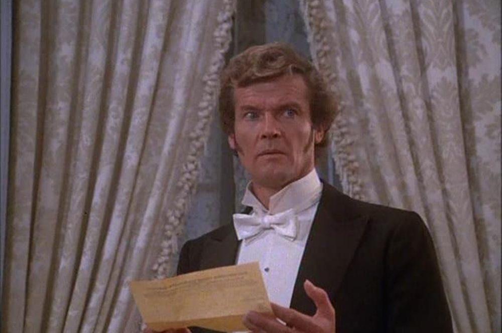 Роджер Мур — «Шерлок Холмс в Нью-Йорке» (1976).