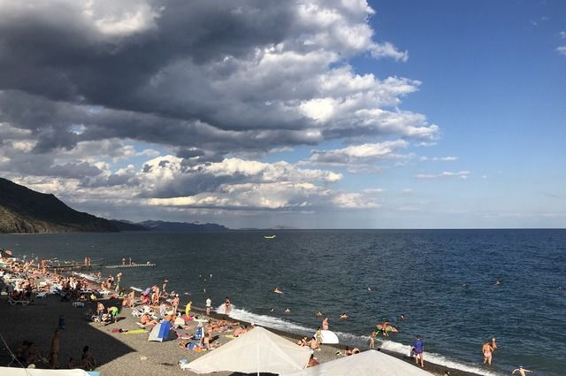 Крым с 1 июля посетили 4,5 млн туристов