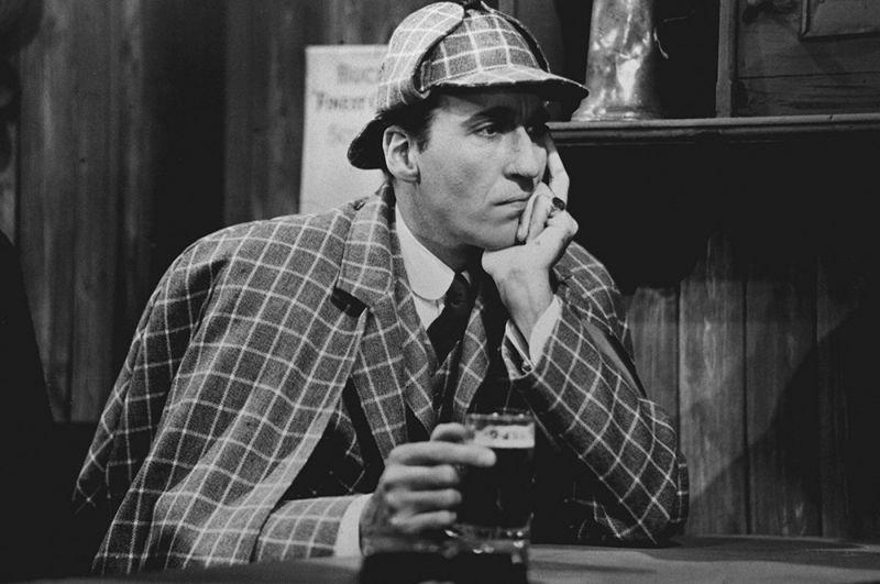 Кристофер Ли — «Шерлок Холмс и смертоносное ожерелье» (1962).