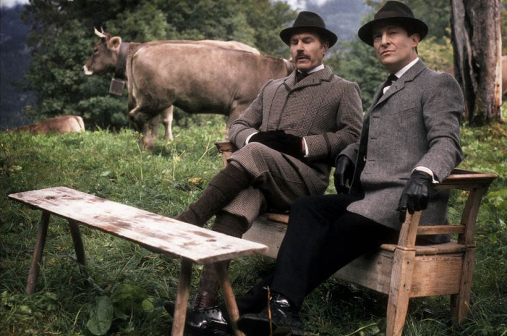 Джереми Бретт — «Приключения Шерлока Холмса» (1984-1985).