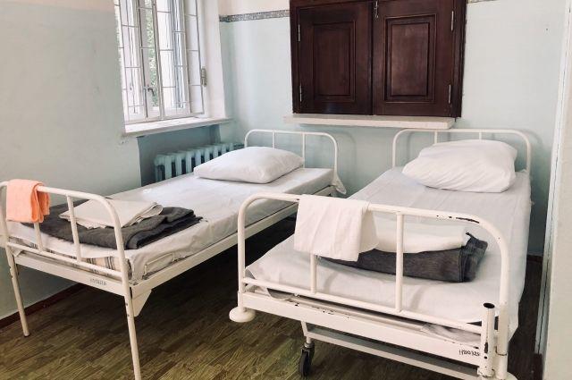 Сейчас «коронавирусные» места есть в 19 больницах края.