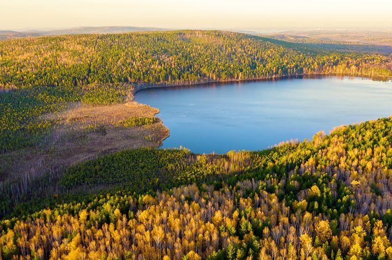 Озеро Песчаное в окрестностях Екатеринбурга.
