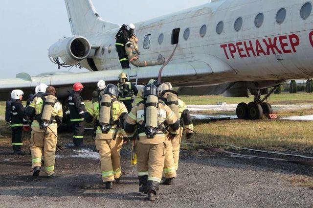 В Храброво тренировали принимать воздушное судно, совершившее аварийную посадку
