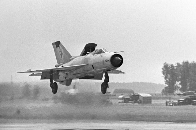 В Сербии разбился военный самолет «МиГ-21»