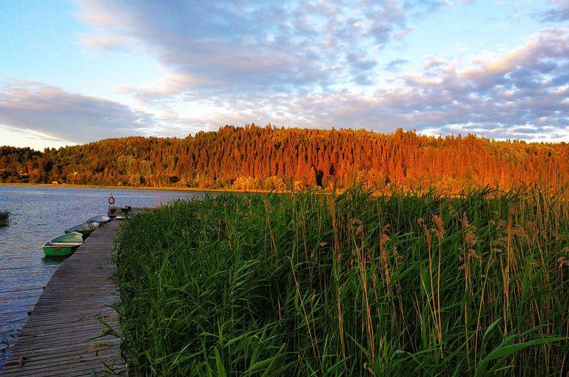 Восход солнца над озерами Карелии.