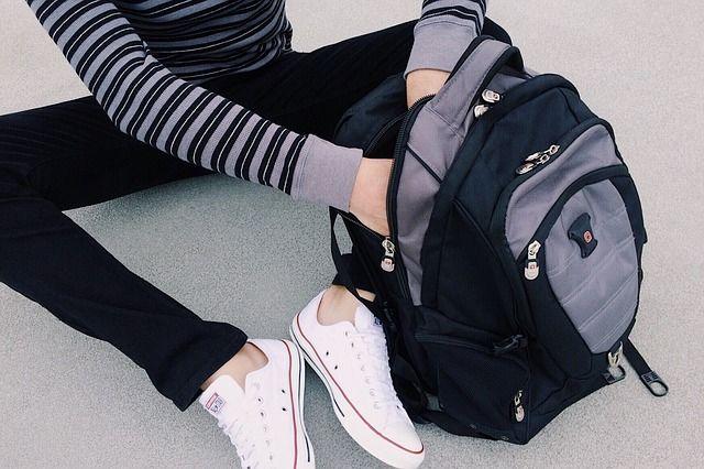Тюменцским родителям рассказали, как нужно носить рюкзак школьнику