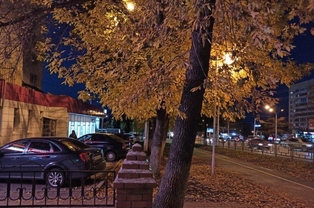Вечерний проспект Октября