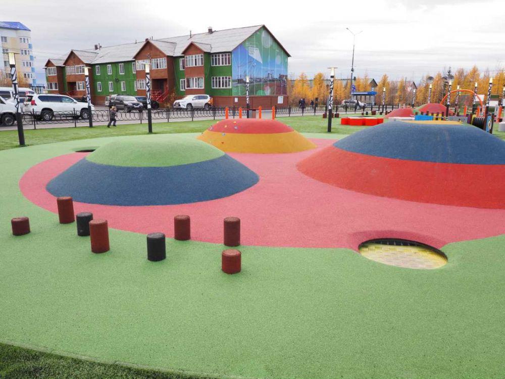 Благоустроенная детская площадка