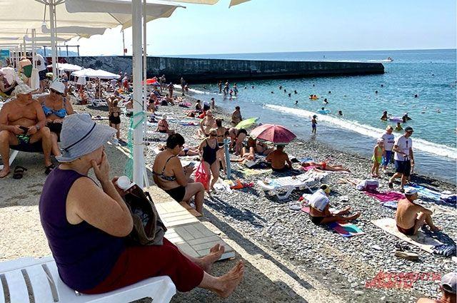 За два летних месяца в Сочи успели отдохнуть больше двух млн туристов.