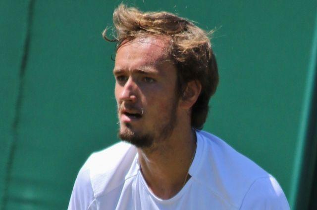 Медведев проиграл Фучовичу в матче первого круга Roland Garros