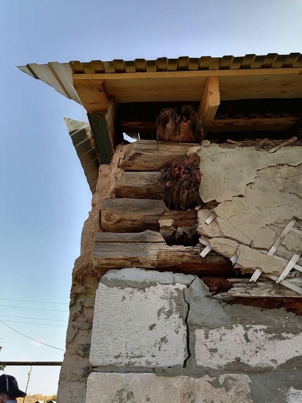 Это - стена и кровля ДЕТСКОГО САДА в с. Спасское Саракташского района.