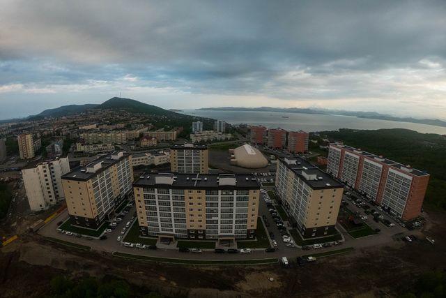 Купить квартиры на улице Топоркова вполне реально.