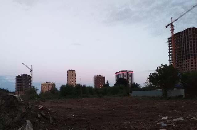В Восточном посёлке пытаются построить ещё два многоэтажных дома.