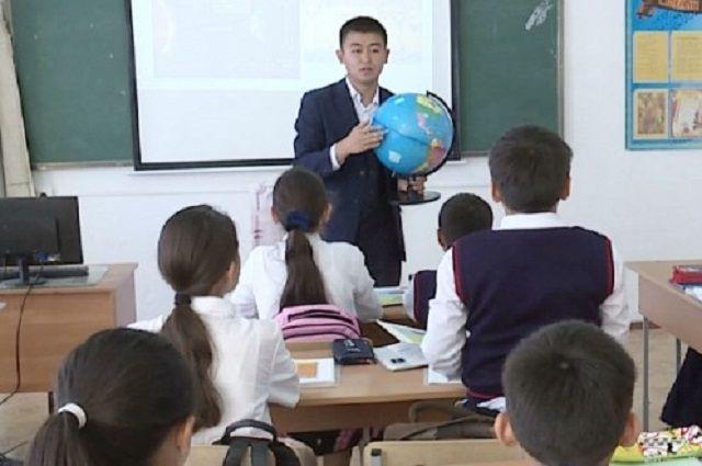 Профессия учителя становится для Усербаевых семейной.