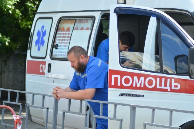 В машинах находились пациенты с коронавирусом.