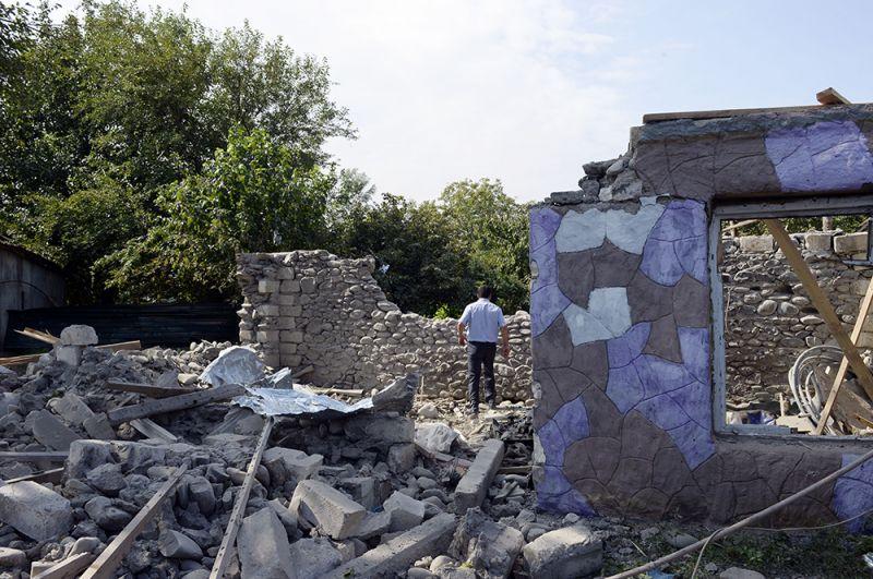 Дом в городе Тертер, пострадавший от боев в районе самопровозглашенной Нагорно-Карабахской Республики.
