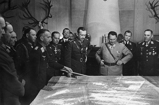 Карл Маннергейм и Герман Геринг, 1942 г.