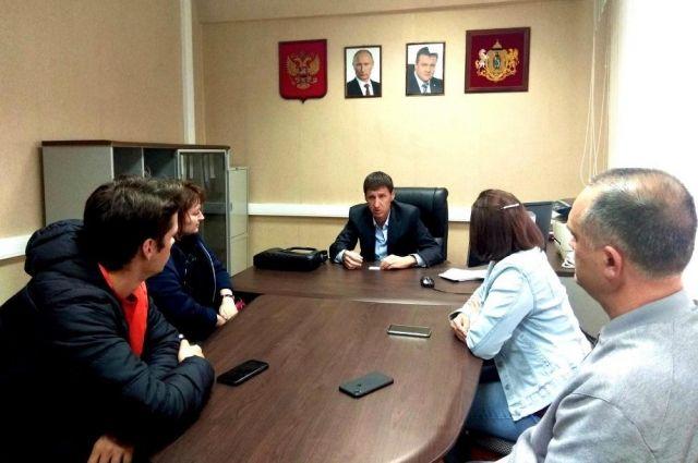 По словам Михаила Пронина, бизнес в сфере образования является социально ориентированным и должен иметь преференции на региональном уровне.